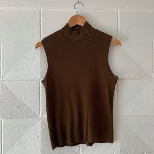 Vintage sleevless turtleneck